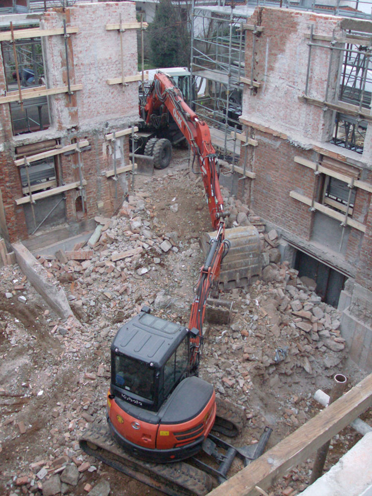 edilizia fontana sottomurazioni scavi armati specializzati sottomurazioni 08 demolizioni